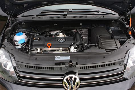 volkswagen golf    review parkers