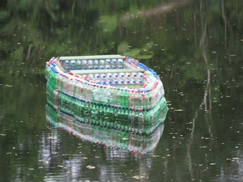 Water Bottle Boat by Fiji S Plastic Bottle Boat To Inspire Others To