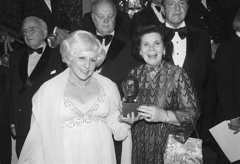 mary kay ash outstanding woman  business