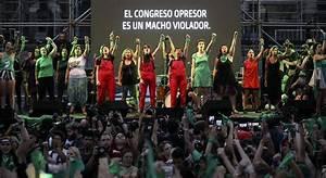 Miles De Argentinas Relanzan La Campa U00f1a Por El Aborto Legal Con El Primer  U2018pa U00f1uelazo U2019 Del A U00f1o