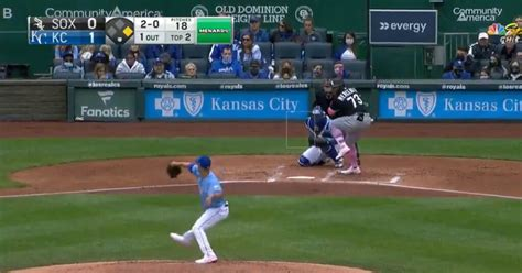 Yermín Mercedes consigue el batazo más difícil del béisbol ...