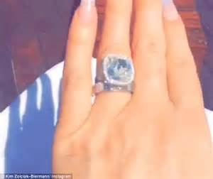 zolciak wedding ring zolciak praises husband kroy while wedding rings daily mail