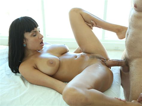 perfect bitch with big boobs enjoys full body massage before sex