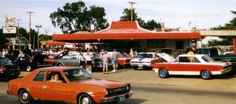 File:AMCs at Andy's Drive-in - Kenosha Wisconsin 2.jpg ...