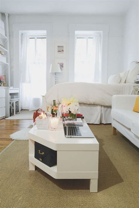 Apartment Sofas Nyc by Dria Murphy S New York City Home Tour Design Inspo Nyc