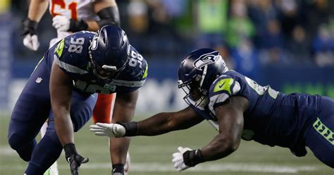 seahawks defense   exceptionally good