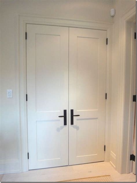 Shaker Style Closet Doors by 25 Best Ideas About White Interior Doors On