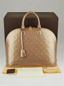 louis vuitton beige poudre monogram vernis alma gm bag