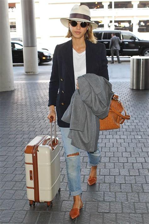 wear   airport