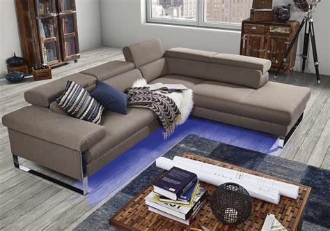 un canapé comment placer canape dans un salon de seanroyale