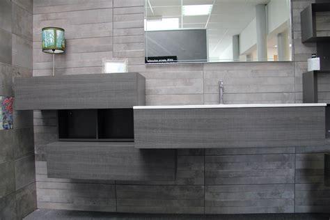 resine sur carrelage cuisine meuble de salle de bain vasque integrée resine carrelage