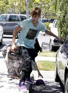 Selena Gomez and Justin Bieber - Paparazzi accident-20 ...