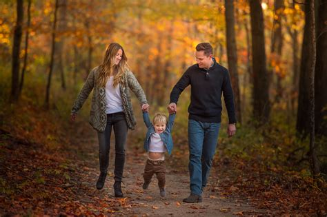 Gorgeous Color Palette | Fall Family Photo Session | Lake ...