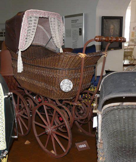 schloss für kinderwagen kinderwagensammlung schloss moritzburg zeitz antique vintage carriages prams strollers