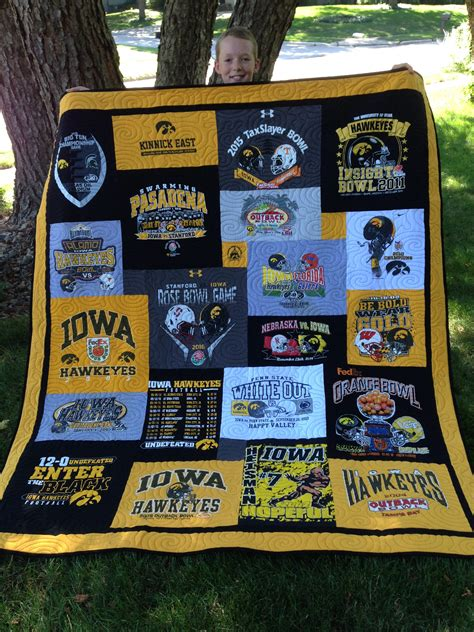 t shirt quilt makers cus t shirt quilts by swanson
