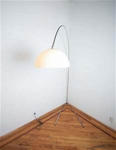 17 best images about floor lamps on pinterest 1970s for Chevron shelf floor lamp