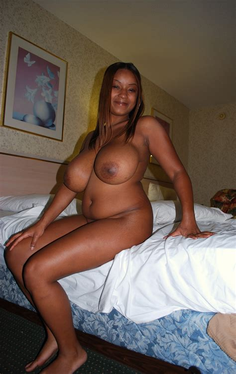In Gallery Beautiful Busty Black Milf Picture Uploaded By Earlyamerican On