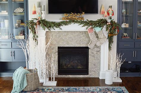 decorate  mantel  christmas hallmark ideas