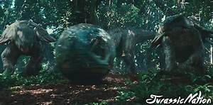 Jurassic Park: Animal Bios #1 - Ankylosaurus - Jurassic World