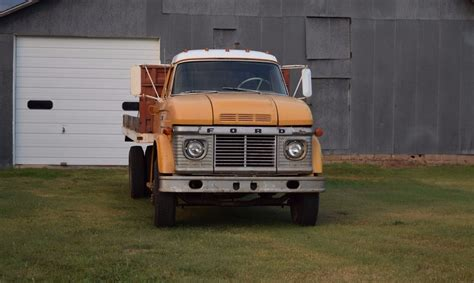 wheat truck 1967 ford f600