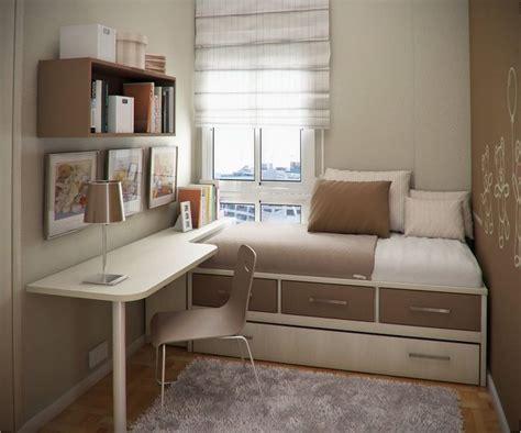 Schreibtisch Für Kleines Zimmer by Die Besten 25 Kleine Zimmer Einrichten Ideen Auf