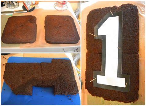 jennifer bakes st birthday cake  cupcakes