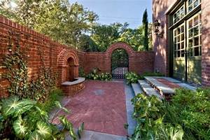 How to Decorate Garden Brick Wall: 5 Ideas to Make It