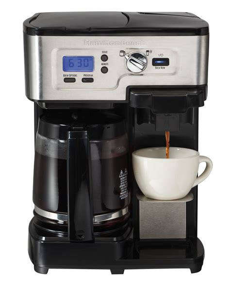 This coffee maker uses k cup and ground coffee with its single serve side. Amazon.com: Hamilton Beach Single Serve Coffee Brewer and ...