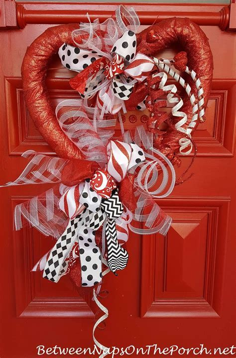 Valentine?s Day Decorations: Decorate the Porch, Front