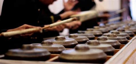 Ensemble ini kemudian mereka beri nama arumba (alunan rumpun bambu). Mengenal 11 Alat Musik Tradisional dari Aceh yang Lestari Hingga kini