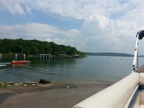 Lake Tenkiller Boat Rentals by Great Lake For Cing Weekend And And Decent