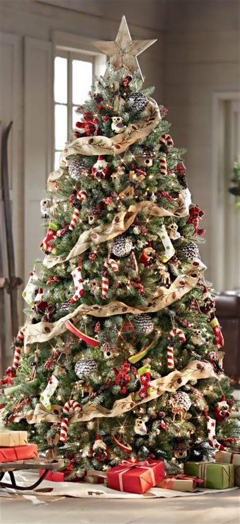 beautiful christmas tree garland decoration ideas