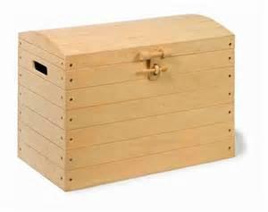 jouets gar 231 on jouet en bois camion moyen coffre de pirate