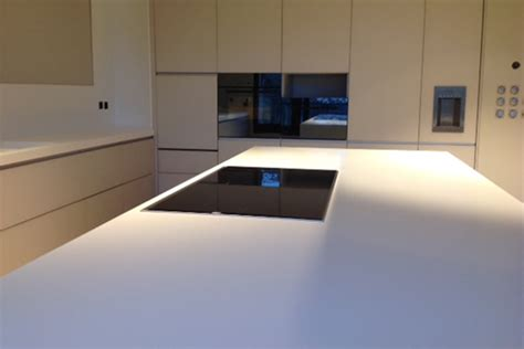 top cucina corian cucina in corian andreoli corian 174 solid surfaces