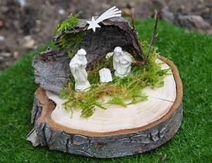 Basteln Mit Baumscheiben : krippe auf baumscheibe miniaturkrippe pinterest weihnachten advent und deko weihnachten ~ Watch28wear.com Haus und Dekorationen