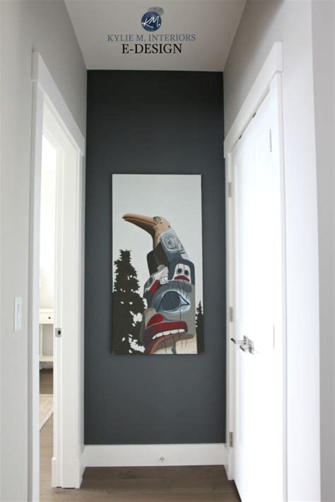 benjamin moore kitty gray feature art wall  collonade
