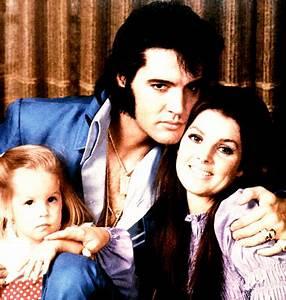 ElvisWorld: Divorce Day | Nina's Soap Bubble Box