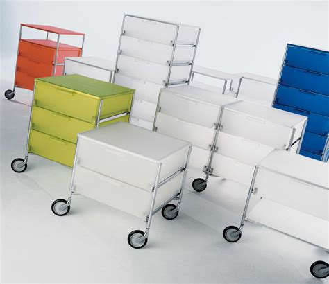 Con Rotelle by Cassettiera Con Rotelle Mobil Di Kartell Bianco Made