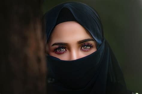saudi arabian women granted permission  work