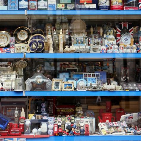 types  products  good  sell  souvenirs  business