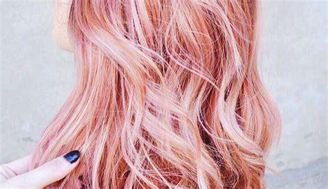 Dengan mengombinasikan dengan warna lain dapat membuat warna rose gold saja memang sudah terlihat indah jika diaplikasikan pada rambut. Warna Rambut Rose Gold Sedang Hits di Instagram: Bikin ...