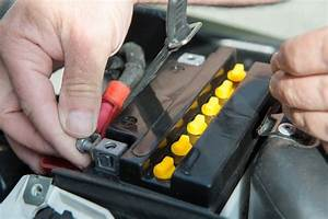 Comment Demarrer Un Tracteur Tondeuse Sans Batterie : charger et entretenir sa batterie moto le tutoriel ~ Gottalentnigeria.com Avis de Voitures