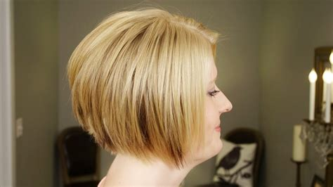 How To Do Lowlights On A Natural Blond // Short Hairstyles