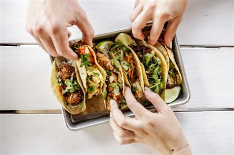 mexican restaurants  chipotle mexican chains worth