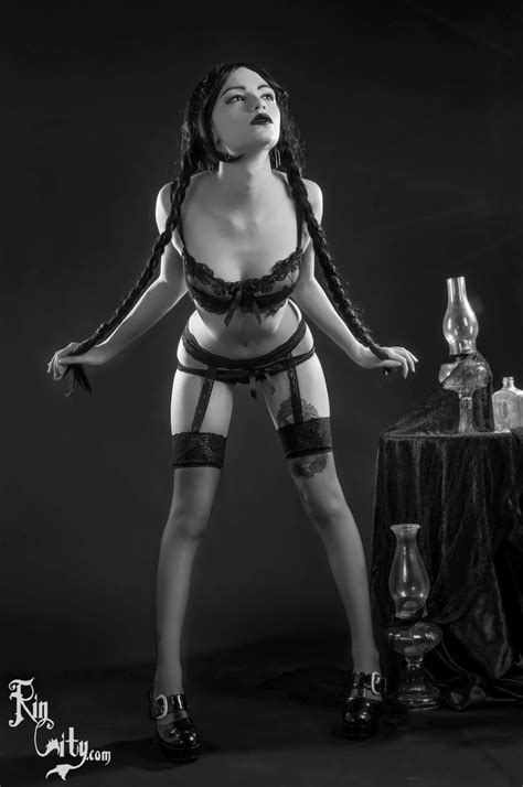 wednesday addams striptease loli cosplay