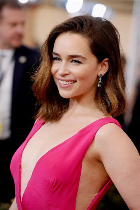 Emilia clarke achieved global recognition through her prominent role in game of throne, a fantasy television ongoing series that began in the year 2011 and gave her a breakthrough in acting. Hot Emilia Clarke Boobs - Barnorama