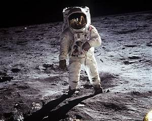Neil Armstrong And Buzz Aldrin Walk On The Moon - Pics ...
