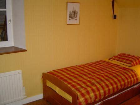 la chambre jaune maison vacances rochefort en terre location 6 personnes