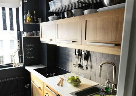 mur noir cuisine carrelage gris mural et de sol 55 idées intérieur et