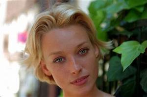 Cecilie Thomsen | My name is Bond, James Bond / Meu nome é ...